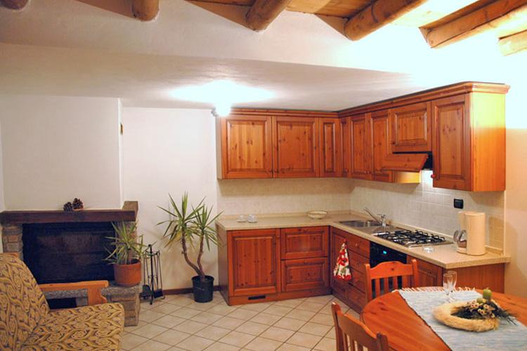 ferienhaus comer see einrichtung casa daniela ferienh user domaso urlaub lago di como. Black Bedroom Furniture Sets. Home Design Ideas